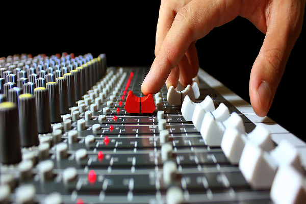 """""""Technology's rapid progress has been a key component in the music classroom"""